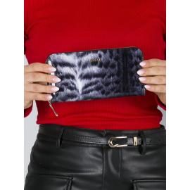 Biało-czarny skórzany portfel lakierowany z nadrukiem futra